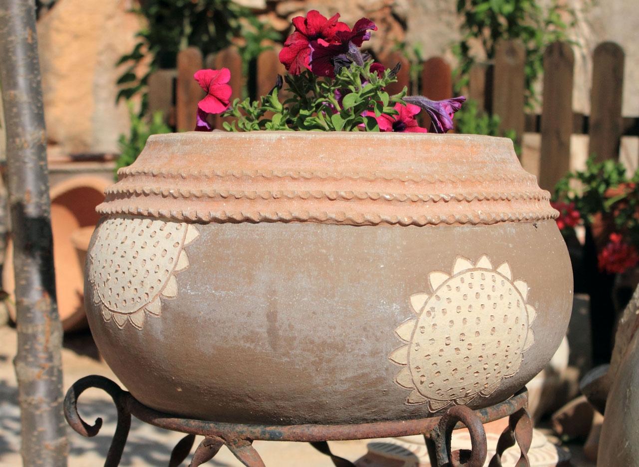 Jarr n chato decorado tinajas orozco for Tinajas de barro para jardin